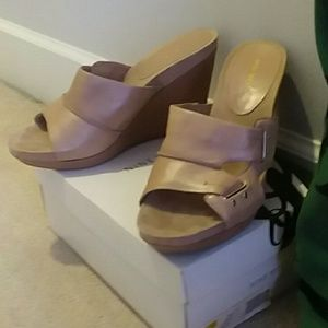 Nine West Taupe wedges 10.5 never worn outside